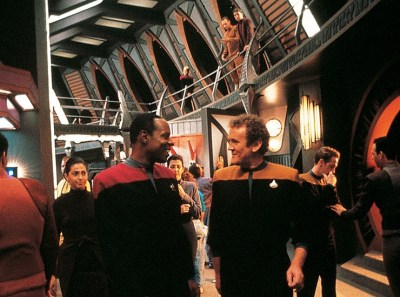 Star Trek DS9's promenade