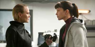 Robin Wright and Sylvia Hoeks