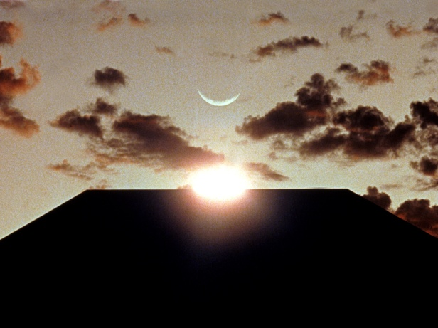 The monolith, the Sun and the Moon are in alignment