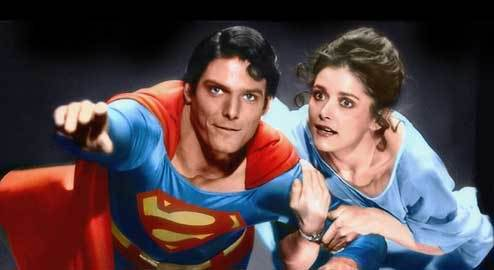 Superman and Lois fly over Metropolis