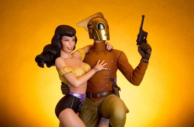 Close-up of the Rocketeer and Betty figure